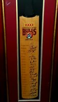QUEENSLAND BULLS Cricket Bat Signed by the full Squad 2009-10 BEAUTIFULY FRAMED