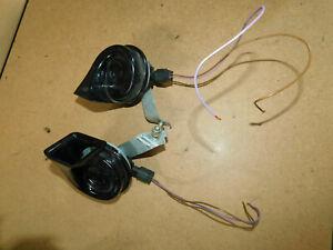 BMW E46 318i 320i 323i 325i 328i 330d Horns - Pair + Connectors - BOSCH 70/388