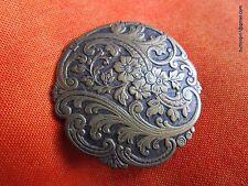 3715-D – Elegant XL Art Nouveau Floral Vines Rococo Brass Antique Button