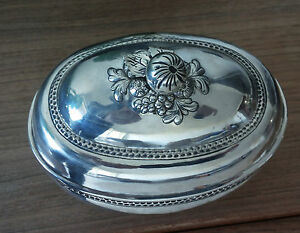 FINE ANTIQUE 18th CENTURY GERMAN SOLID SILVER LOVELY DECORATED ETROG BOX-JUDAICA