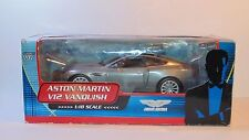 007 JAMES BOND 1/18 Die Cast Movie Car ASTON MARTIN V12 VANQUISH Die Another Day