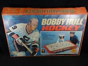 VINTAGE BOBBY HULL HOCKEY GAME MODEL 2210 GOLD CUP SERIES MUNRO GAMES 41X24X3