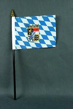 """Kleine Tischflagge Bayern Wappen Raute  10x15 cm """"Basic"""" PVC-Mast, ohne Sockel"""