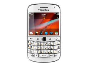 BlackBerry Bold 9900 - 8 GB - White (Unlocked) Smartphone