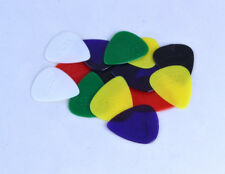 14 X HARD NYLON GUITAR Plectrums W / motivo rilievo acoustic electric bass Plettri