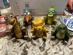 Vintage 1988 Lot of 5 Land Before Time Pizza Hut Rubber Hand Puppets
