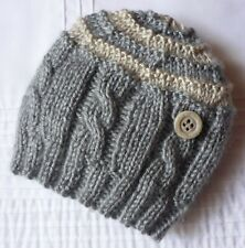 BABY BEANIE. SOFT GREY WITH BEIGE HIGHLIGHTS/BUTTON. BOY/GIRL. HAND-KNITTED.