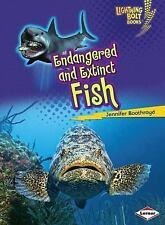 Endangered and Extinct Fish (Lightning Bolt Books - Animals in Danger)
