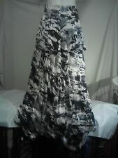 Fujinella Ladies Skirt in a Black and White Abstract Print Size 1 - NWOT