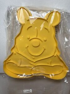 DISNEY CAKES AND SWEETS CUTTERS WINNIE THE POOH LARGE - NEW EAGLEMOSS