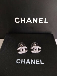 CHANEL Classic CC Logo Silver Stud Earrings Crystal Earrings