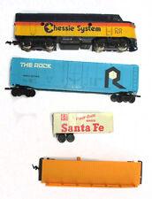 HO Scale Chessie System C&O 7071 Diesel Locomotive Train Cars & Sante Fe Trailer