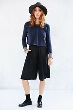 Urban Outfitters 6 KIMCHI BLUE BLACK SOFT CULOTTES SHORTS crop polyester gauchos