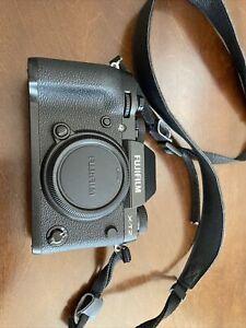Fujifilm X-T2 24.3MP Mirrorless Digital Camera Body + VPB-XT2 Battery Grip