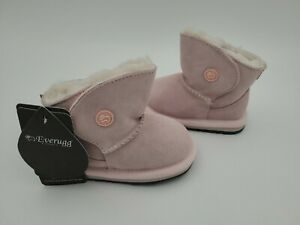 EVER UGG AUSTRALIA Kids Classic Toddler PINK size: S