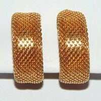 "Vintage gold tone metal mesh hoop classic style clip earrings, 7/8"" high x 3/8"""