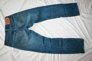 Jean homme LEVI'S 501 taille W31 L32 très bon état !