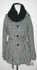 BLACK WHITE HOUNDSTOOTH JACKET/COAT WITH SCRAF SIZE MEDIUM NEW WITH TAGS