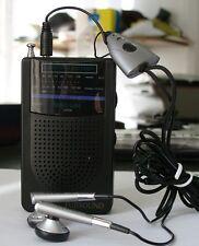 RADIO AM/FM TURBO SLIM FUJISOUND CON ALTAVOZ INCORPORADO + AURICULARES ESTEREO