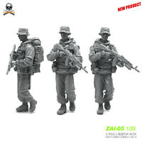 1/35 Russian Army Special Forces Soldier Infantry Scout AK Backpack Scale Model