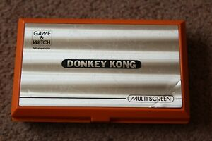 NINTENDO GAME AND WATCH DONKEY KONG DK-52 1982 WORKING