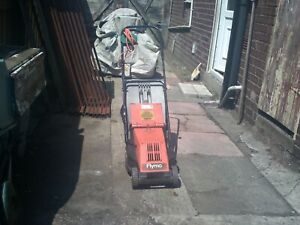 flymo cheving roller rotary re 300 mower. with grass box fully service ready .