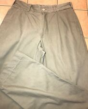 d5c83e71459 Bills Khakis 32 x 33 Green Chino Pant Classic Fit Casual Pleated Front M2P  USA