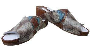 9.5 M NIB Natural Soul Naturalizer Kyra Blue Multi Snake Imprint Slides Sandals