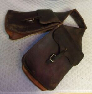 VINTAGE - Western Leather Saddle Bags - Buckle Pouches - SUPPLE Leather - LOOK