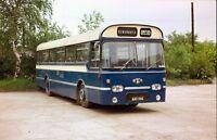 AWX 118G Bingley ta United Services, Kinsley 6x4 Quality Bus Photo B