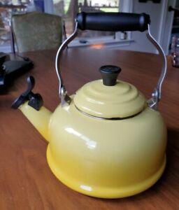 LE CREUSET Whistling Teapot Kettle 1.7 Quart / 1.6 Litre Yellow Enameled Teapot