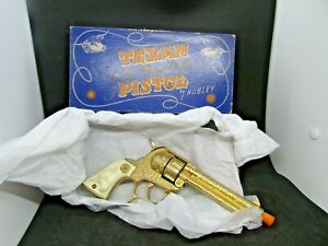 Hubley - Gold Plated DeLuxe Texan Pistol - in original box