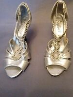 Ladies New Look Wellworn Sandals Shoes Stiletto Silver Size 4