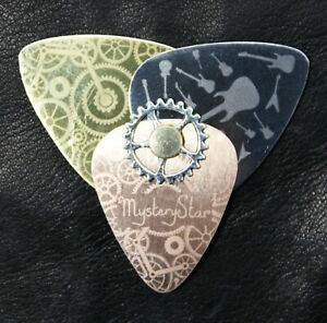 New Innovative original Guitar Pick Plectrum Metal Bronze Steel Brass Steampunk