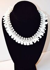 Beautiful and original multiple white beads necklace. vintage