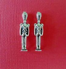 2 x Soldados De Juguete De Metal Sin Pintar Casa De Muñecas 1:12th Escala Miniatura Juguetes Vivero