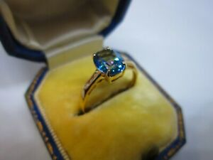 A Lovely Ladies 10ct Gold Blue Topaz & Diamond Dress Ring Size N 1/2, 1.2g