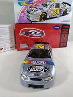 Action 1:24 Jeff Gordon DuPont NASCAR 2000 Monte Carlo Car Bank