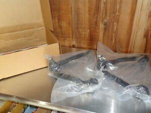New Upper Control Arm Set 1999-2006 Chevy Silverado Suburban Tahoe Avalanche GMC