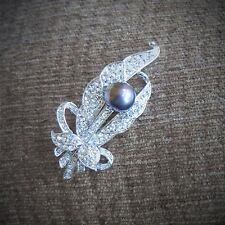 Fashion Feather Natural Freshwater Black Pearl Brooch AAA Silver Tone