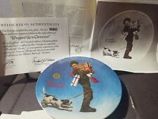 Norman Rockwell 1981 Wrapped Up In Christmas Plate #9090D By Knowles