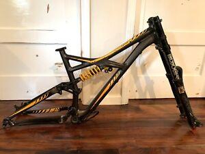 Specialized Enduro Expert EVO 650b M5 Mountain Bike Frame 27.5 & Boxxer Fork +BB