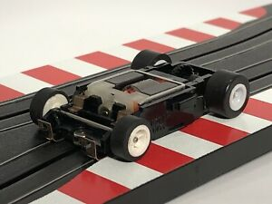 Aurora AFX Tomy Turbo Chassis With White Wheels HO Slot Car