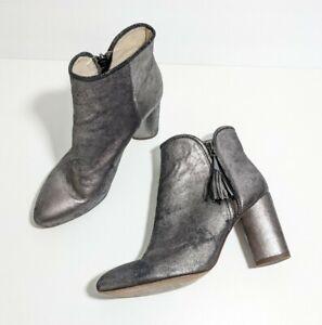 Louise et Cie Zirelle Metallic Pewter Gray Ankle Boots Size 8 Tassel Zip Grey