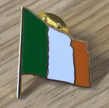 IRELAND FLAG SOUVENIR ENAMEL PIN BADGE 24MM - FOOTBALL RUGBY
