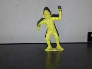 MPC 60mm Ringhand Pirate in Yellow Plastic.  Pistol at waist