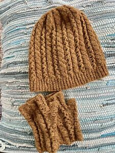 Ladies Honey Mustard  Hat  And Fingerless Gloves Set One Size.