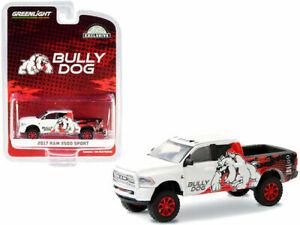 Greenlight 1:64 Hobby Exclusive 2017 White Bully Dog Ram 3500 Sport Model 30172