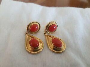 orecchini corallo rosso in oro pendenti