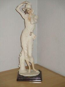 Giuseppe Armani Florence Figurine Valentine Lady Wearing A Hat 0647F Used Good